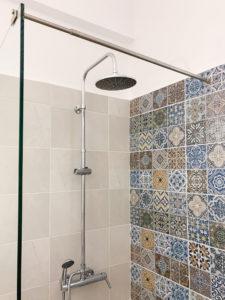 Lambda Bathroom 2
